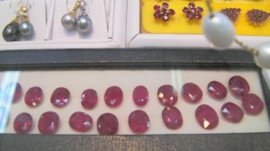 """Mogok"" ruby filled Glas"